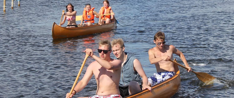 Vi tilbyder udlejning af kanoer